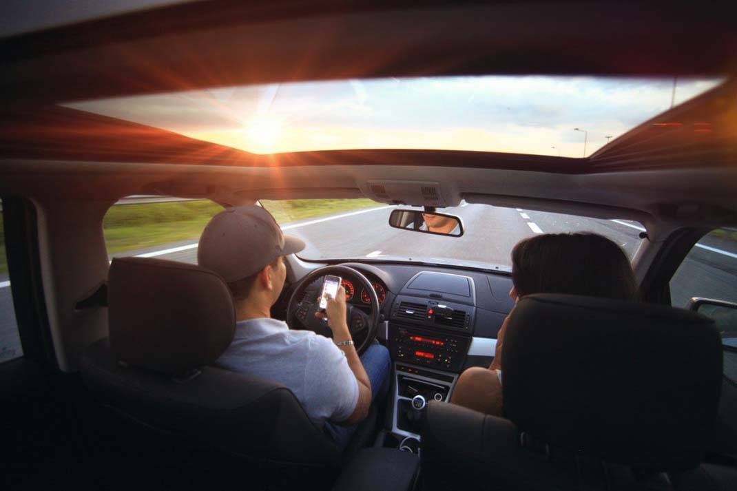 Calling-Driving-e1427284956516