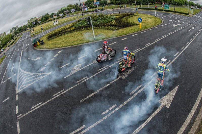 roundabout-speedway (1)