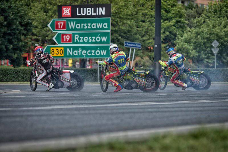 roundabout-speedway (2)