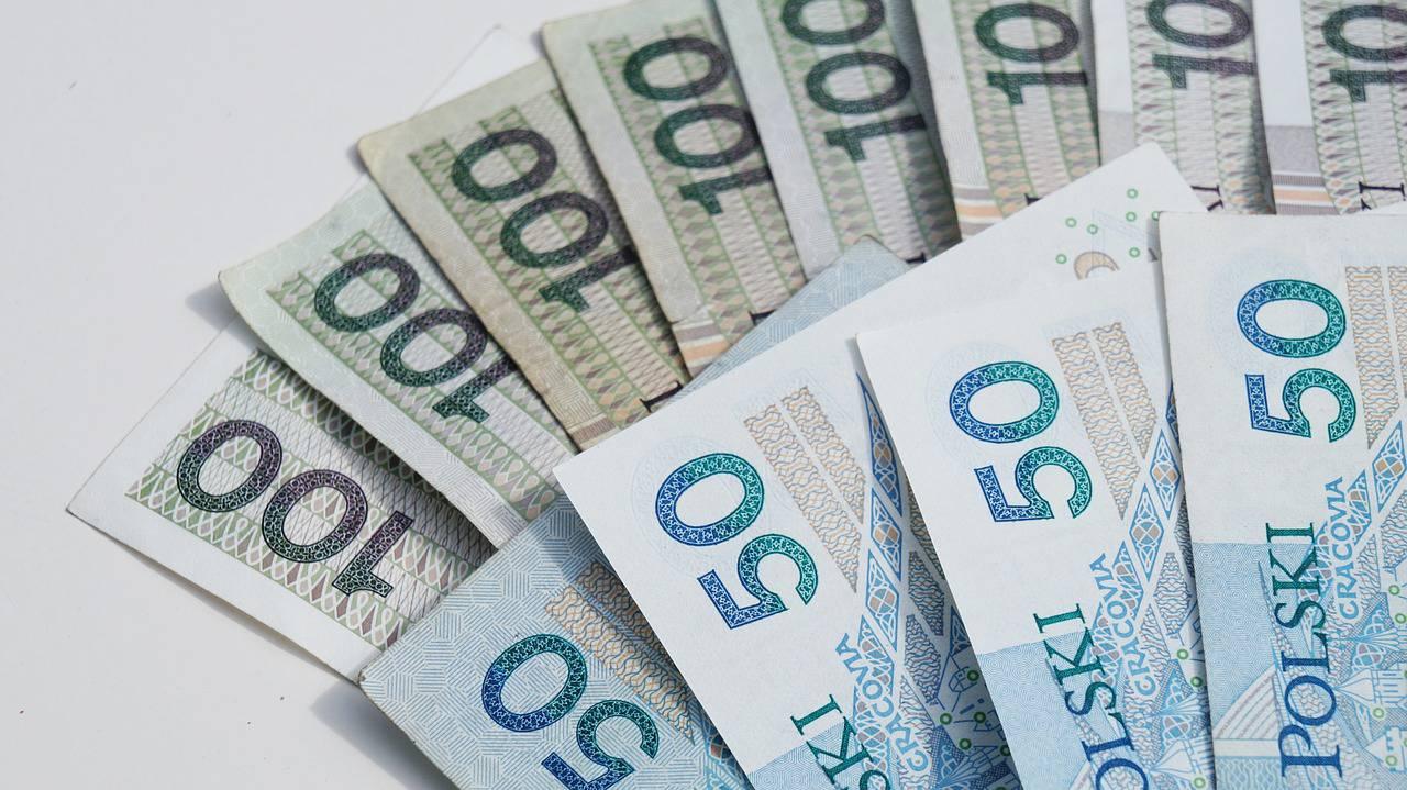 pieniądze gotówka