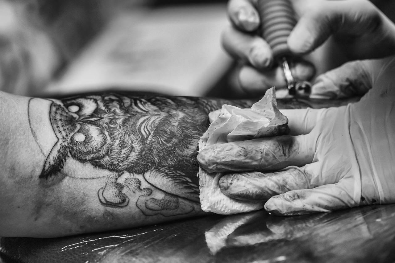 Tatuaż Krok Po Kroku Czyli Jak W Praktyce Wygląda Robienie