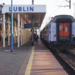 dworzec pkp lublin stacja pociąg tory peron