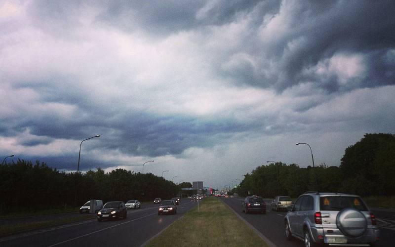 burza chmury niebo deszcz