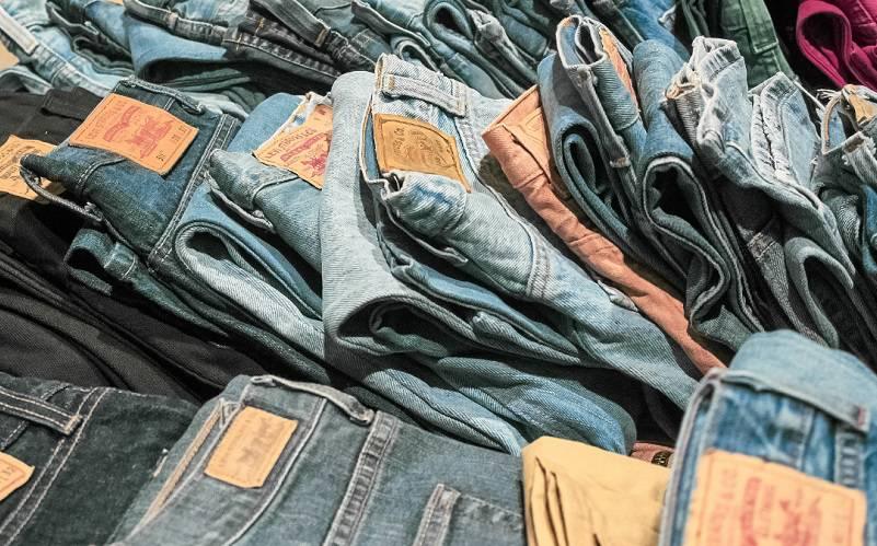 ubrania jeansy spodnie