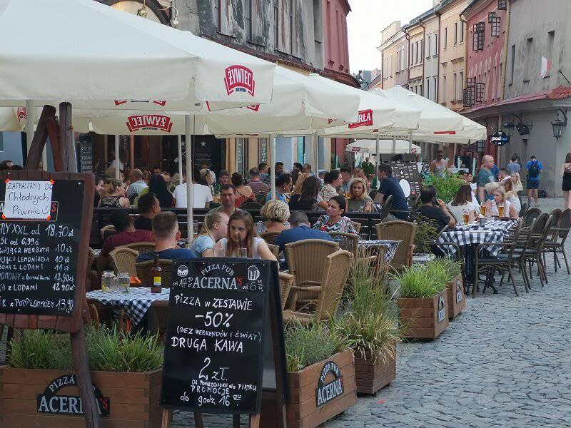stare miasto lublin restauracje ogródek kawiarniany gastronomiczny