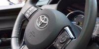 toyota yaris hybrid kierownica samochód auto