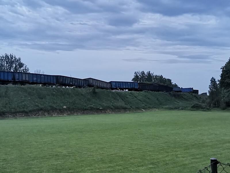 Wykolejenie wagonów pociągu towarowego w Ciecierzynie pod Lublinem