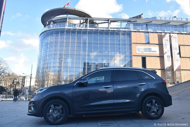 Marszałek kupił trzy nowe auta elektryczne marki Kia e-Niro
