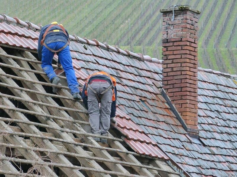dach dekarz pracownicy wymiana dachu