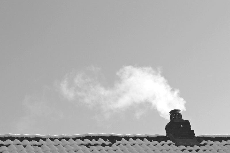 komin dym smog