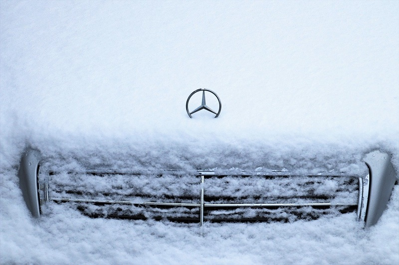 mercedes śnieg
