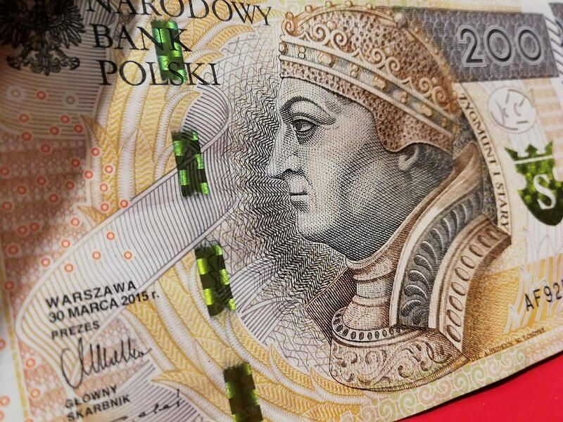 pieniądze banknot 200 złotych PLN