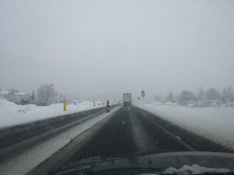 śnieżyca śnieg warunki na drogach