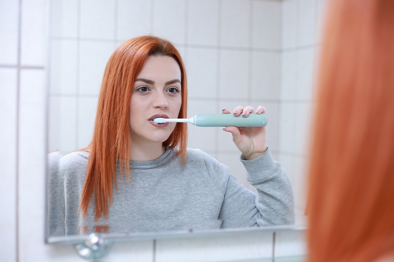szczotkowanie mycie zębów