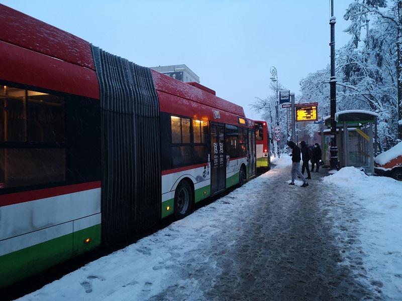 ztm mpk lublin śnieg zima komunikacja miejska trolejbus przystanek