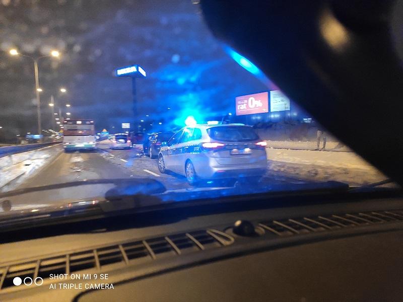 Zderzenie aut na al. Spółdzielczości Pracy w Lublinie   fot. czytelnik Marcin