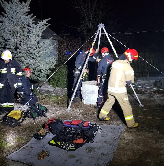 Na dnie studni ujawniono ciało mężczyzny | fot. mł. kpt. Piotr Lipiec, KM PSP Lublin