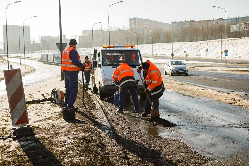 Lubelscy drogowcy biorą się za łatanie dziur   fot. UM Lublin