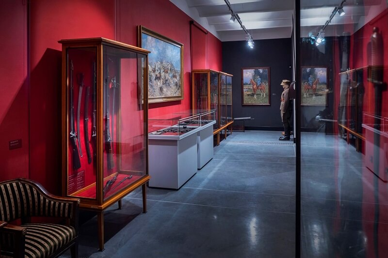"""Ekspozycja """"Historia Uzbrojenia i Malarstwo Batalistyczne"""" w Muzeum Narodowym w Lublinie"""