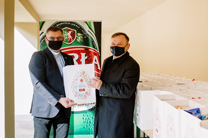 Browar Perła przekazał paczki żywnościowe dla Caritas Lublin