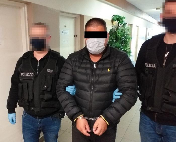 Policjanci zatrzymali oszusta podającego się za funkcjonariusza CBŚP
