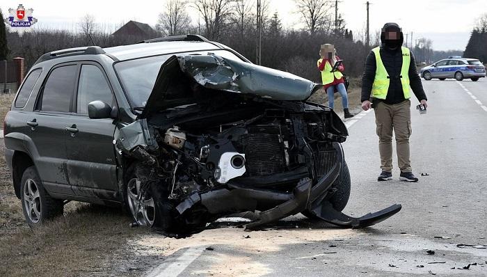 Czołowe zderzenia pojazdów w m. Rudnik Kolonia koło Kraśnika | fot. KPP Kraśnik