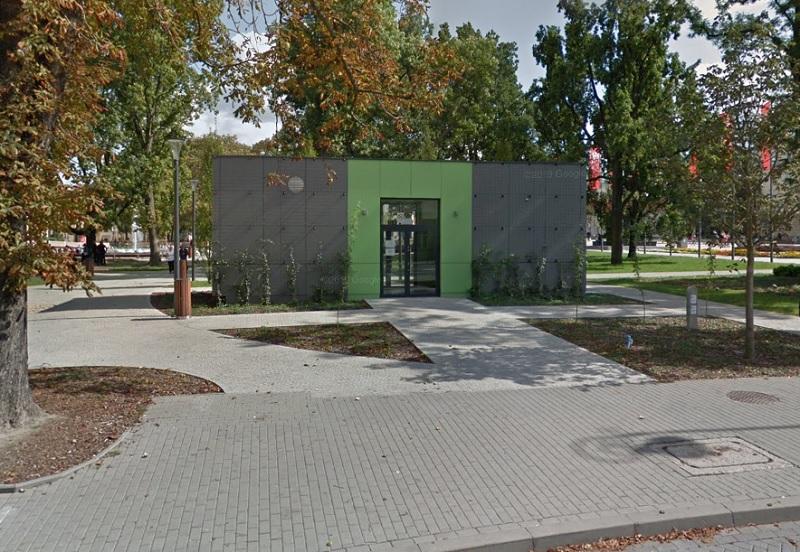 Miejski szalet na Placu Litewskim w Lublinie | Mapy Google