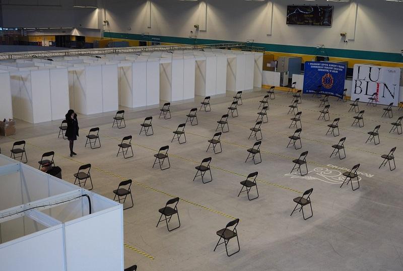 Punkt szczepień powszechnych zlokalizowany w hali Icemani