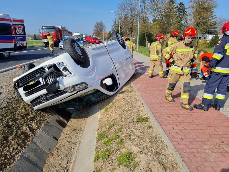 Dachowanie samochodu w Wojcieszynie