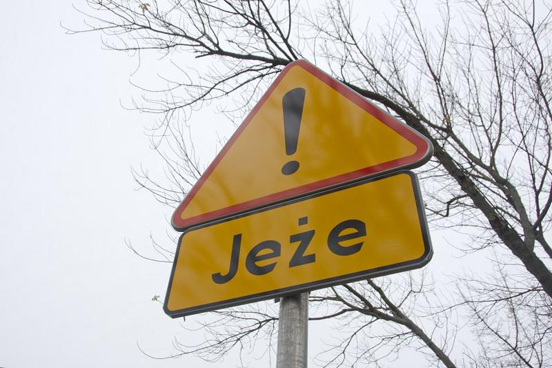 Znak ostrzegający o jeżac