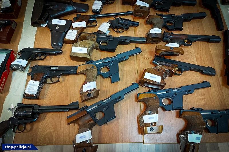 Zabezpieczona broń krótka