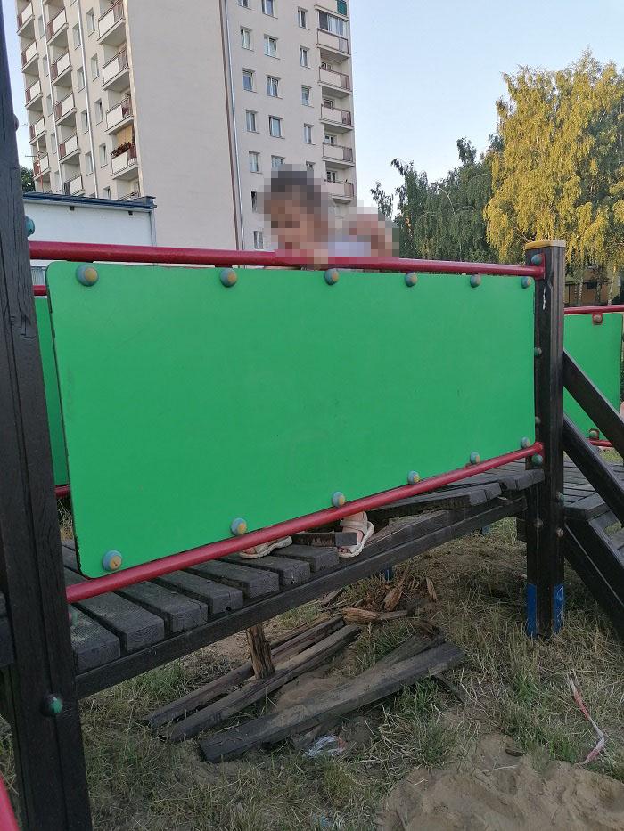 Fatalny stan techniczny placu zabawy przy ul. Wyżynnej w Lublinie