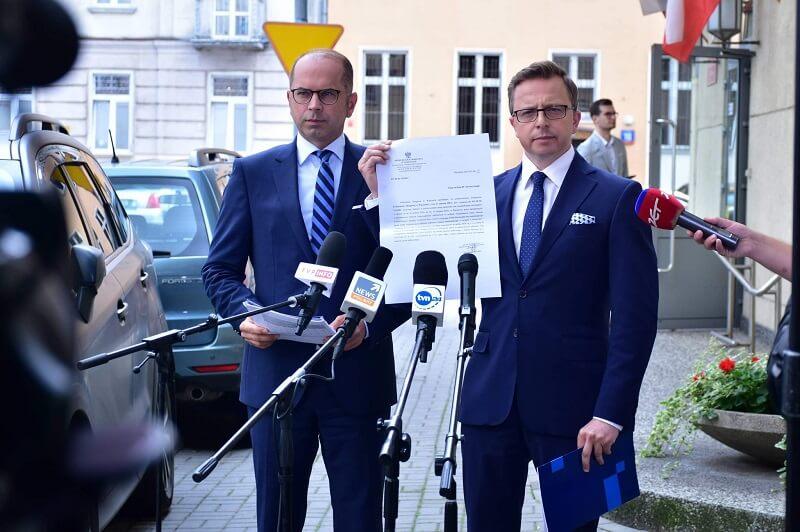 Prokuratura umarza śledztwo ws. zakupu respiratorów od firmy z Lublina