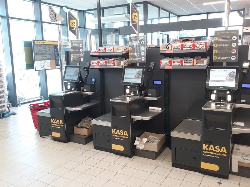 Samoobsługowe kasy w sklepach Biedronka