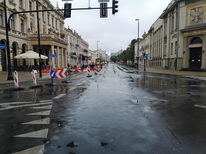 Ulica Krakowskie Przedmieście w trakcie remontu