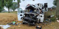 Bus pasażerski zderzył się z renault na DK12 w m. Lechówka
