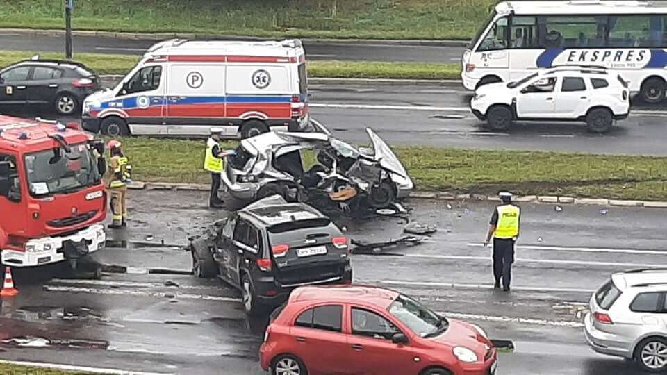 Rozbite samochody po wypadku na al. Witosa