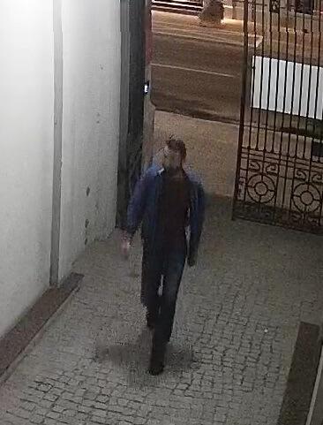 wizerunek mężczyzny który ukradl rower w centrum lublina