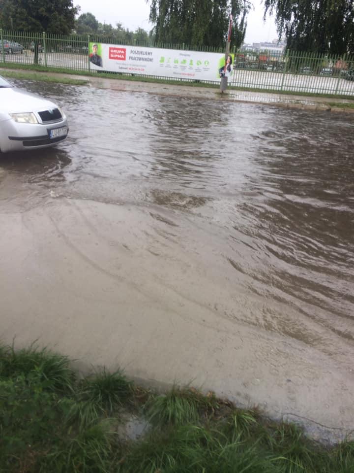 Stojąca woda na ul. Budowlanej