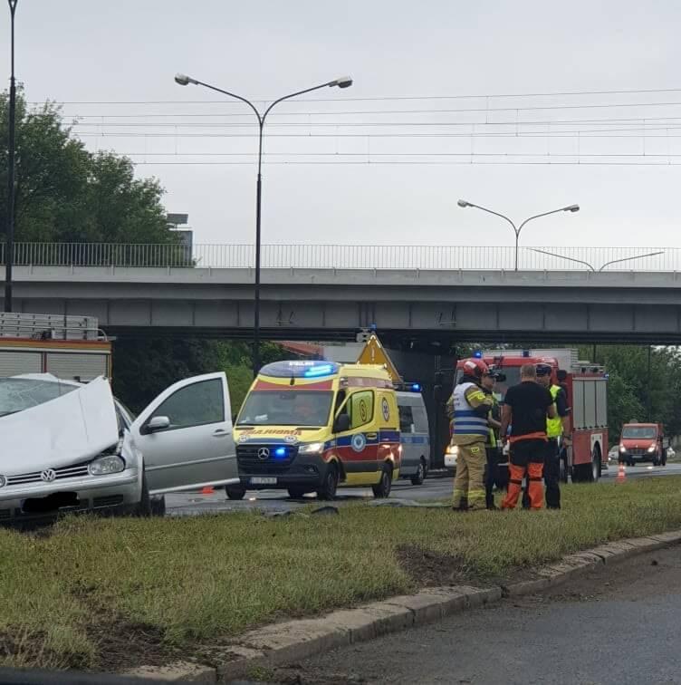 Wypadek na al. Witosa - pięć osób poszkodowanych