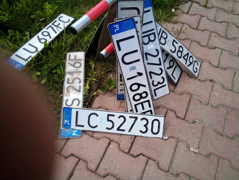 Znalezione tablice rejestracyjne przy ul. Romanowskiego