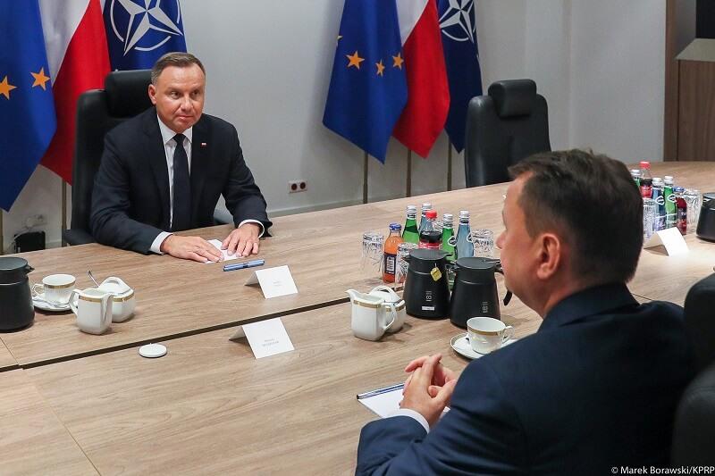 Spotkanie prezydenta Andrzeja Dudy z ministrem Mariuszem Błaszczakiem