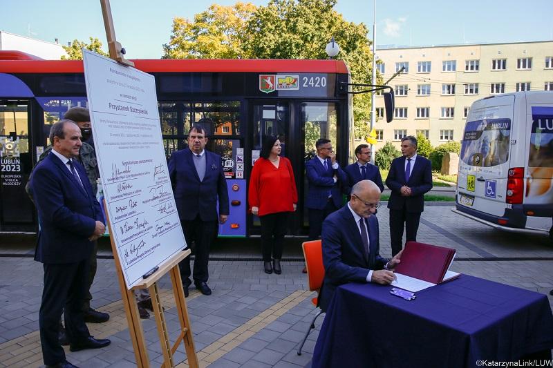 Autobus MPK Lublin podwiezie wszystkich chętnych do punktu szczepień