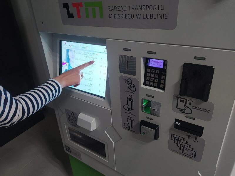 Nowe stacjonarne biletomaty Lubika
