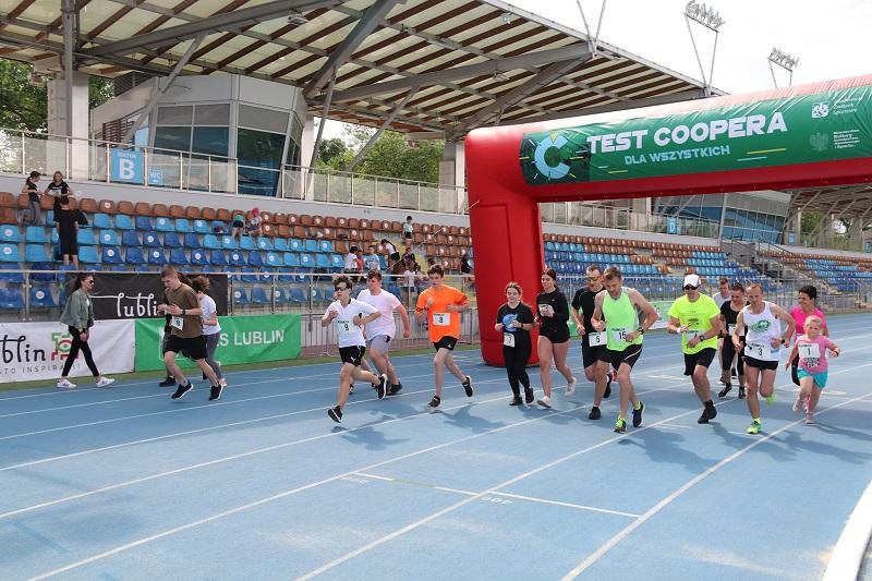 Test Coopera na stadionie lekkoatletycznym w Lublinie