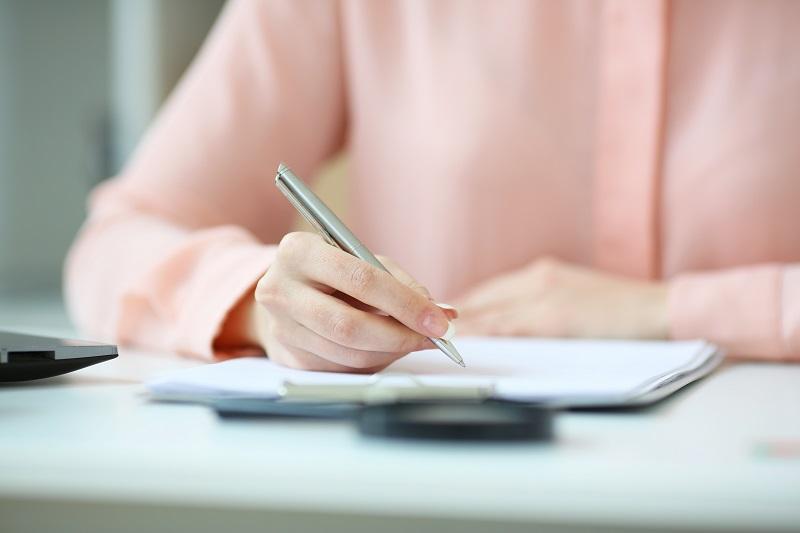 wypełnianie ankiety dokumentów podpis