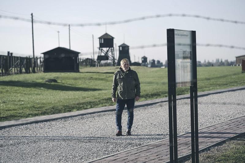Zbigniew Kozłowski syn bohaterki, narrator dokumentu
