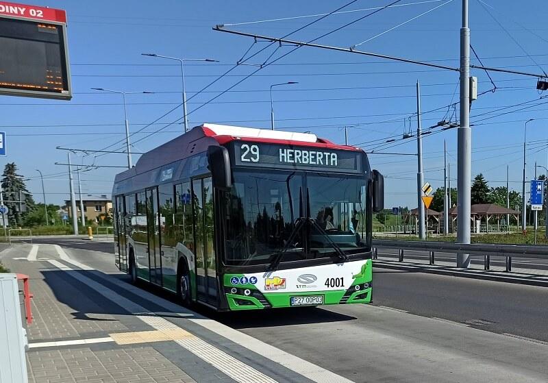Autobus elektryczny Solaris na pętli Choiny