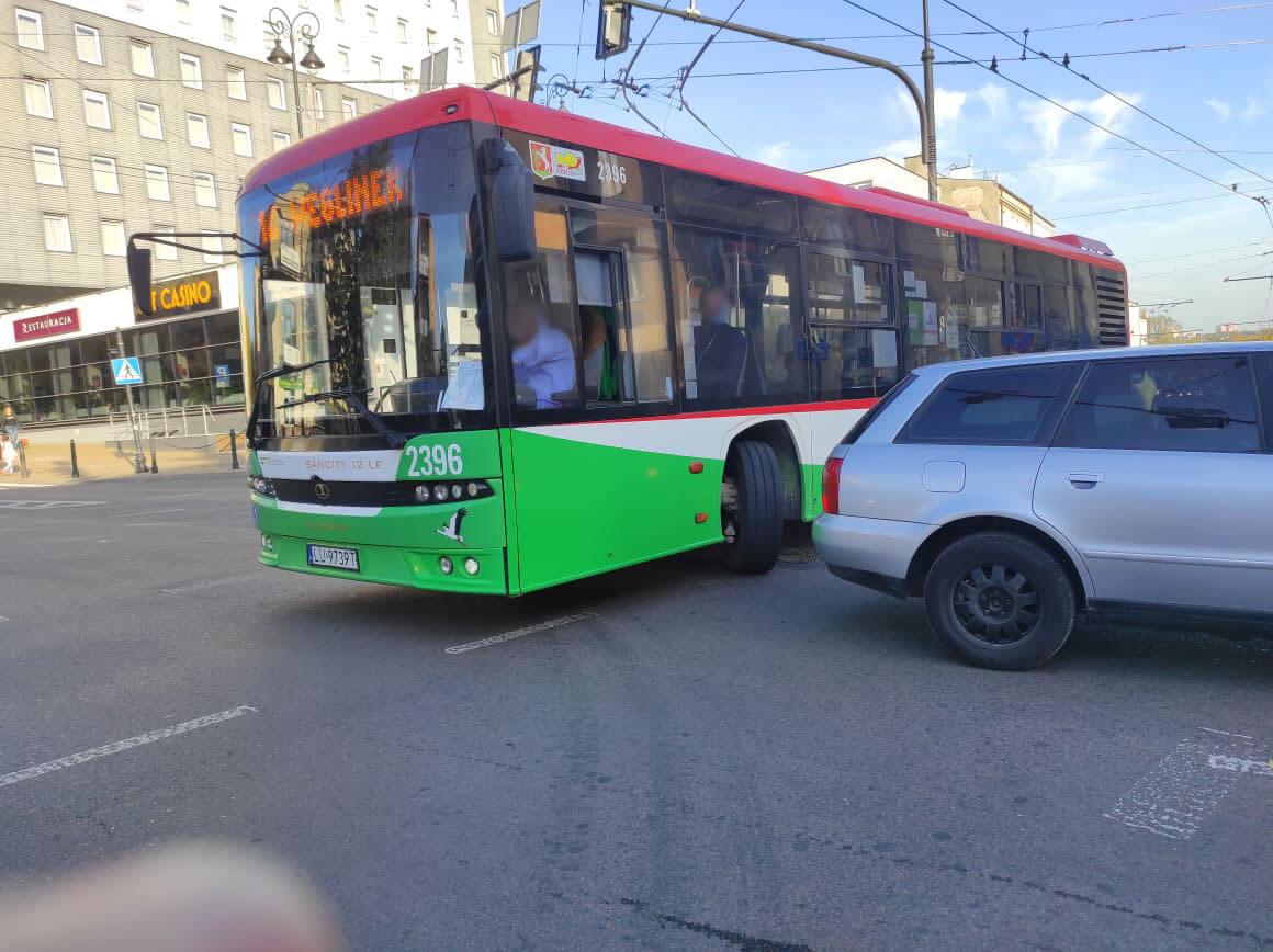 Kierowca autobusu linii nr 14 jechał pod prąd Al. Piłsudskiego